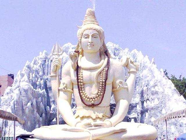 சிவ பெருமானை வணங்கும் போது சொல்ல வேண்டிய மந்திரம்!!